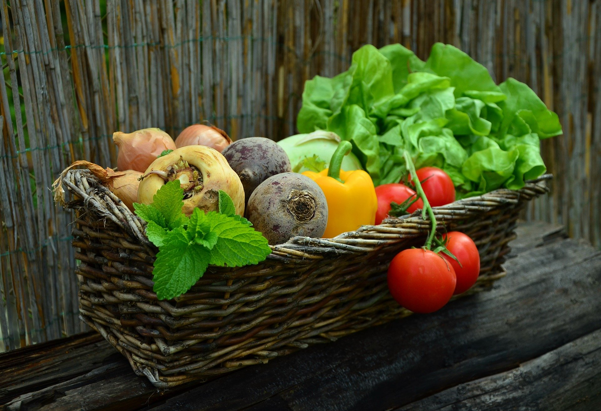 Grøntsager i kurv